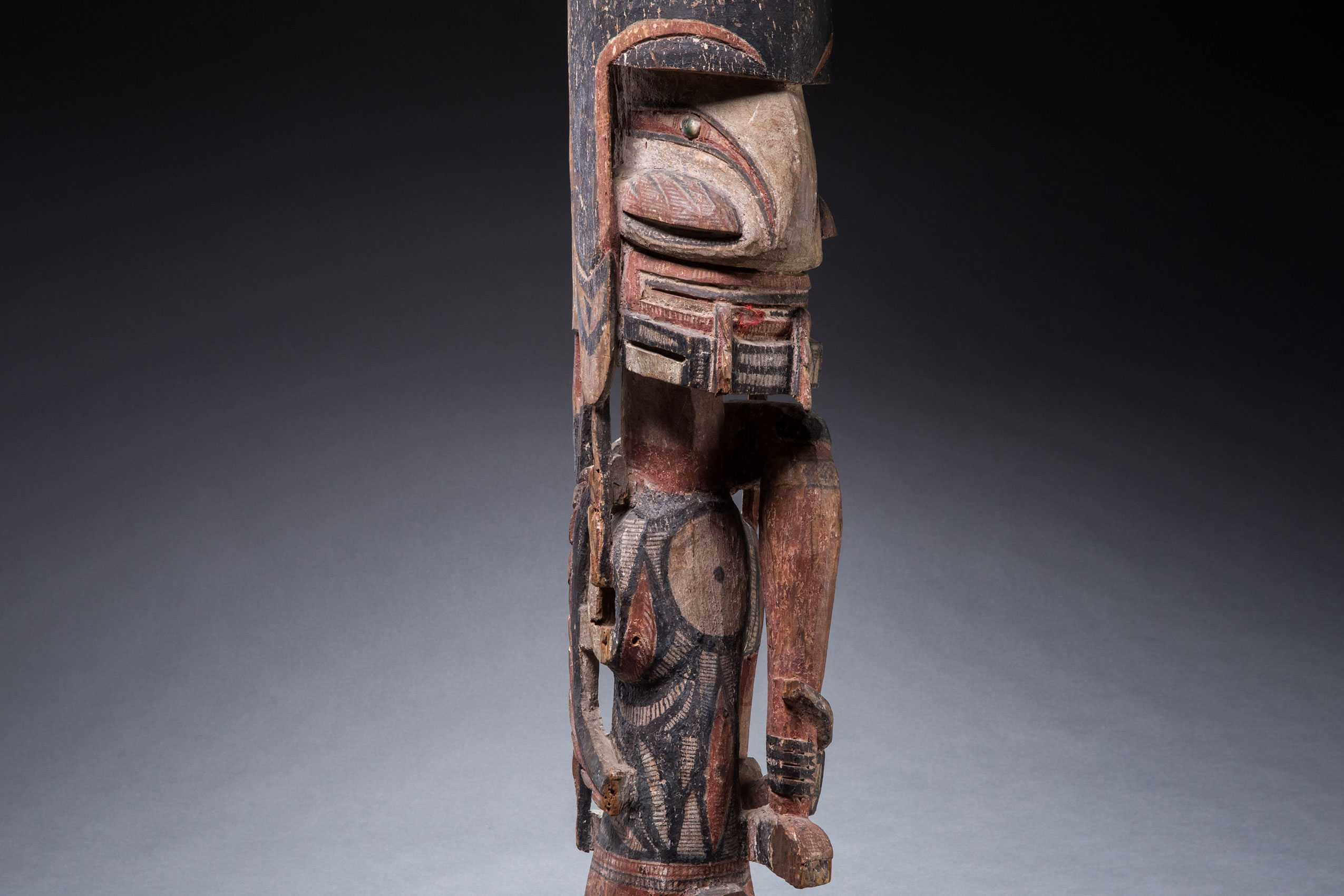 Papua New Guinea art objects and artifacts | mortuary figure