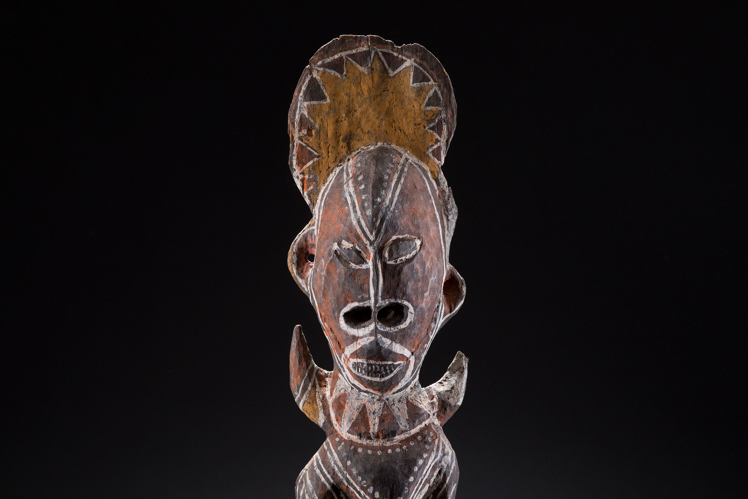 South Pacific art objects and artifacts | hook motif