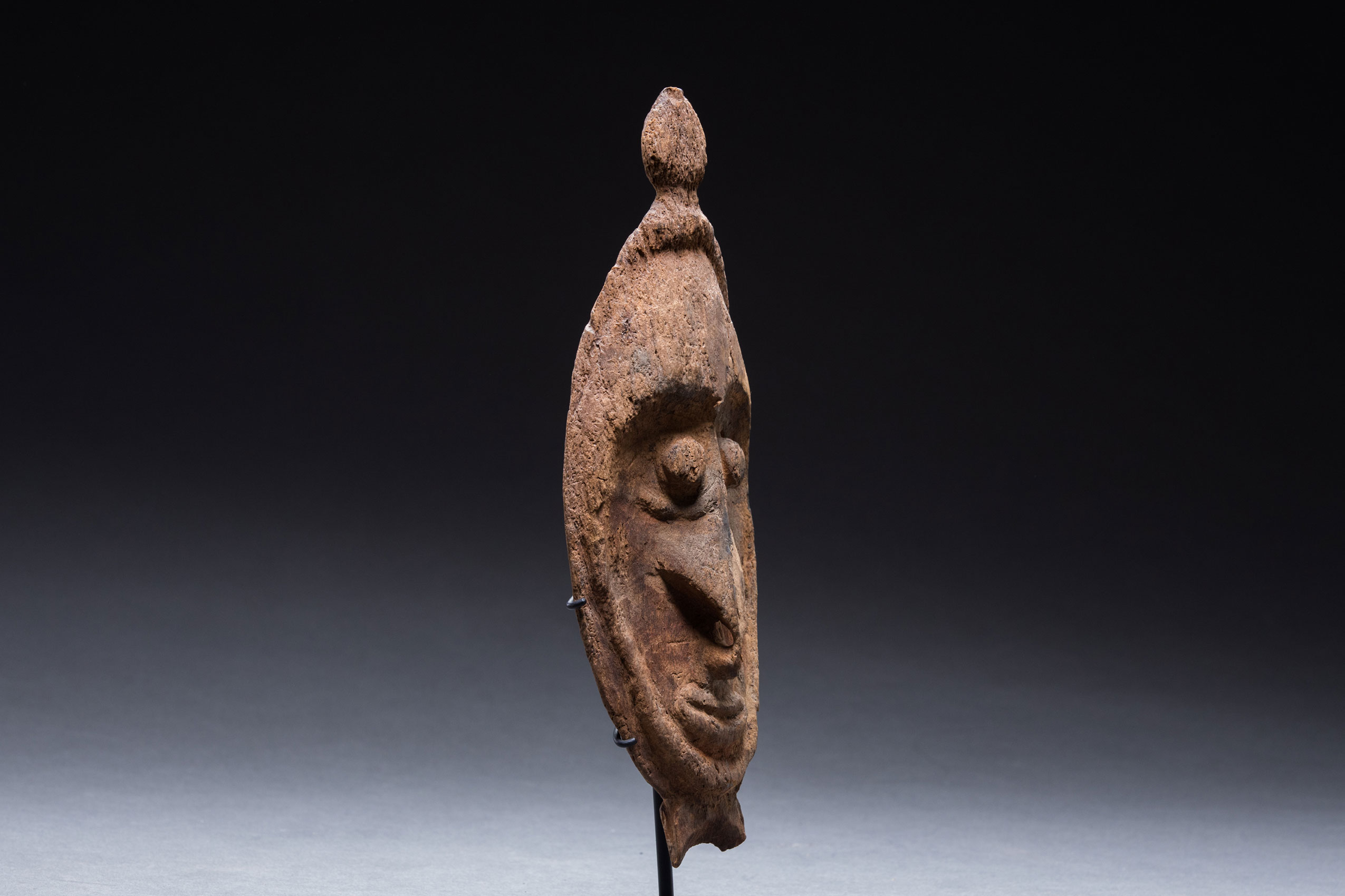 Papua New Guinea art objects and artifacts | Keram River flute mask