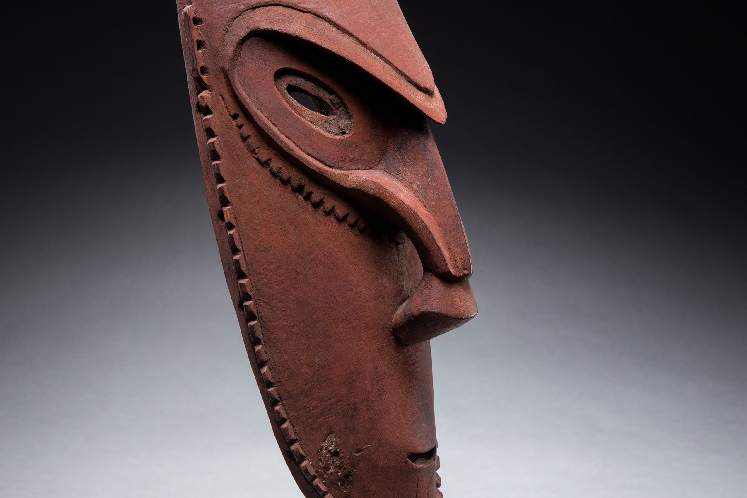 South Pacific art objects and artifacts | Murik Lakes spirit mask