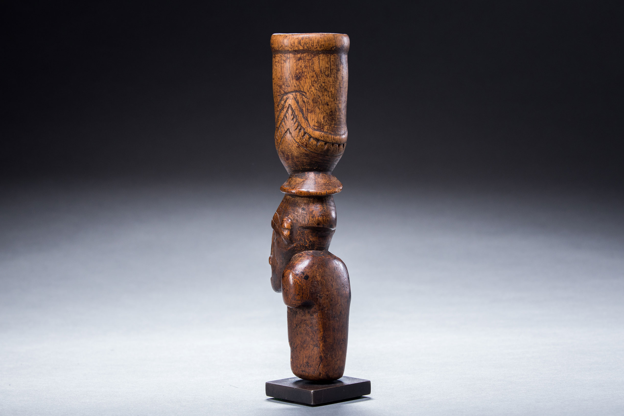 South Pacific art objects and artifacts | betel mortar