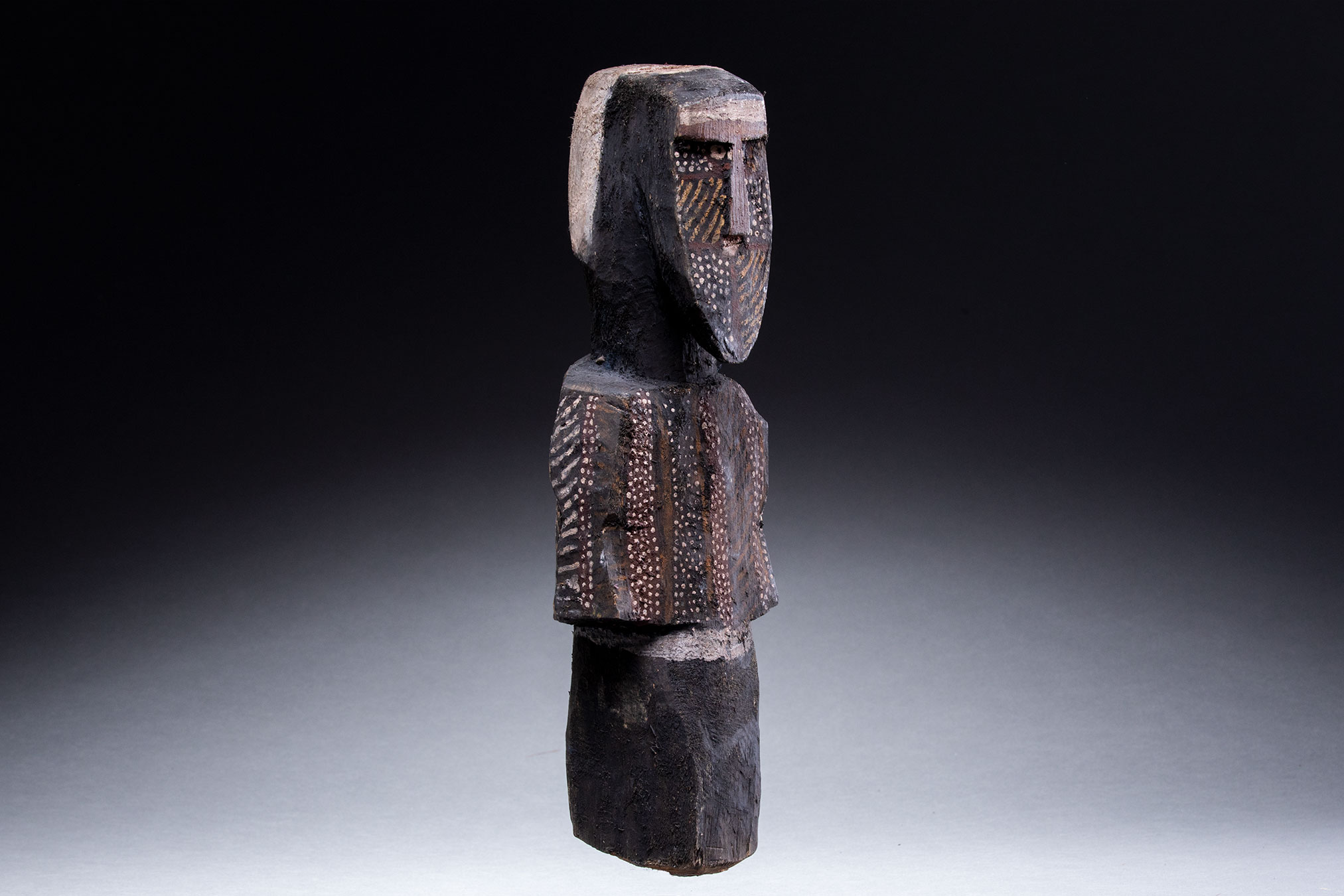 Papua New Guinea art objects and artifacts | aboriginal figure